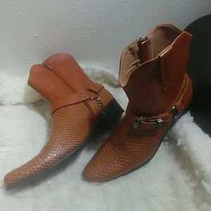 NWOT Cowgirl boots.